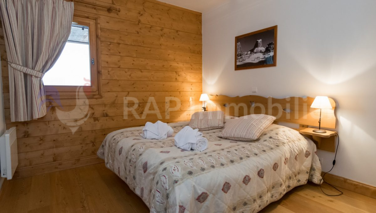 (3) Bedroom 2 with ensuite shower-2.f