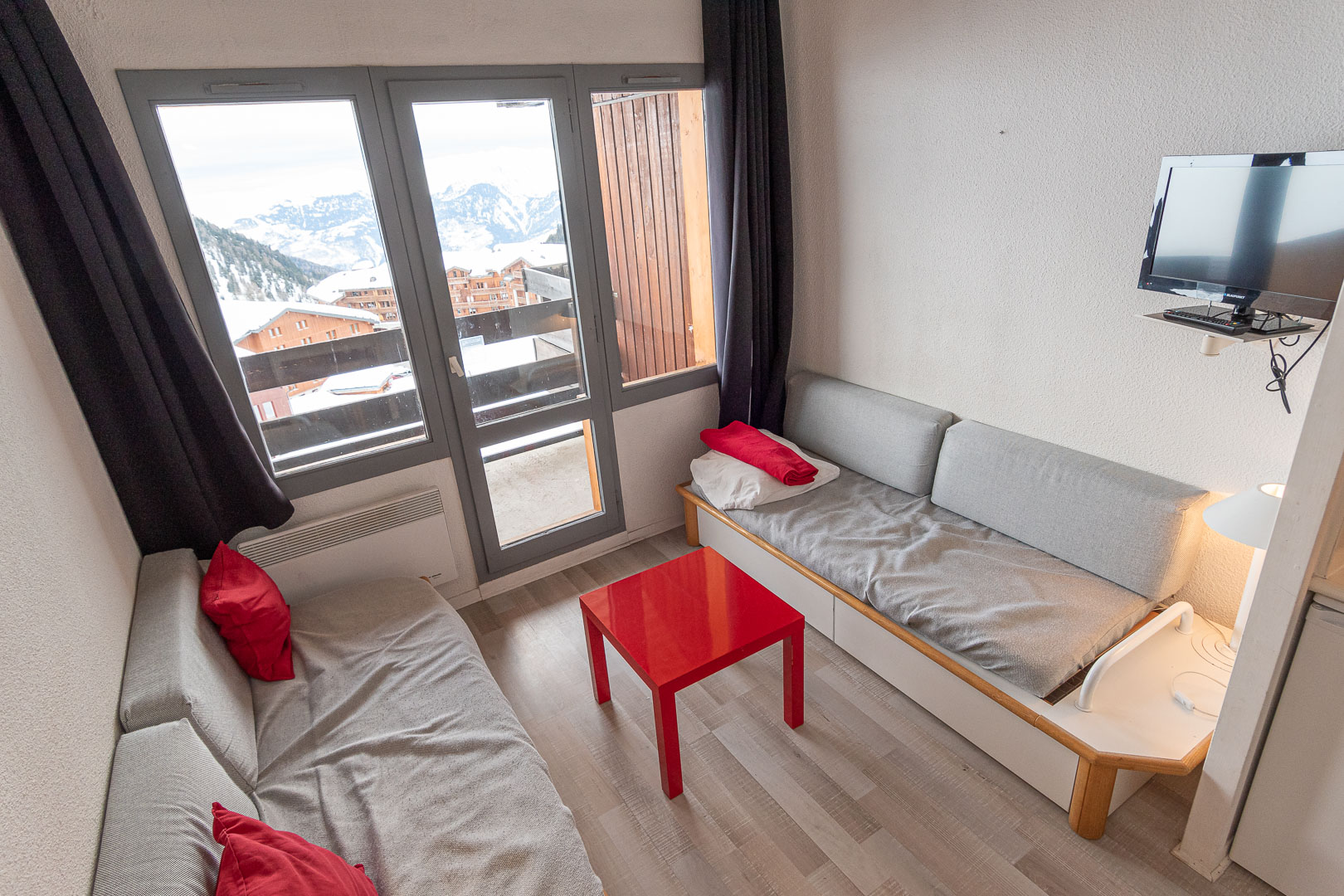Light and airy ski in/ski out apartment BELLE PLAGNE – PARADISKI