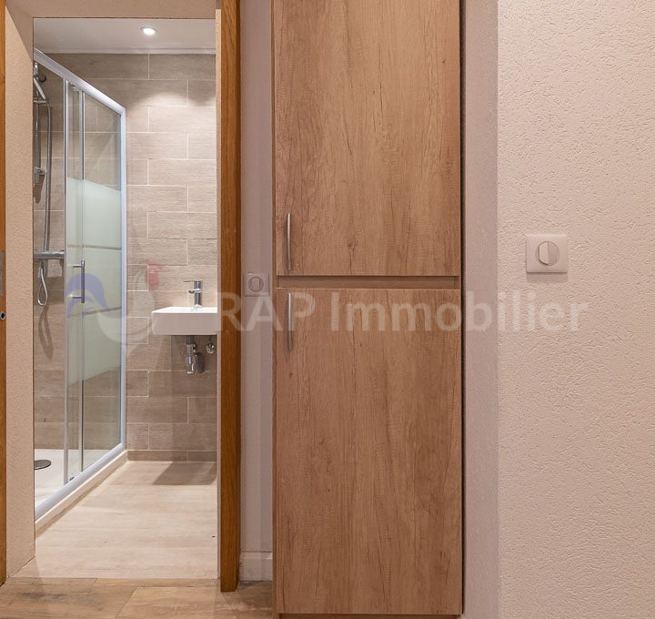 (2) Shower room-7