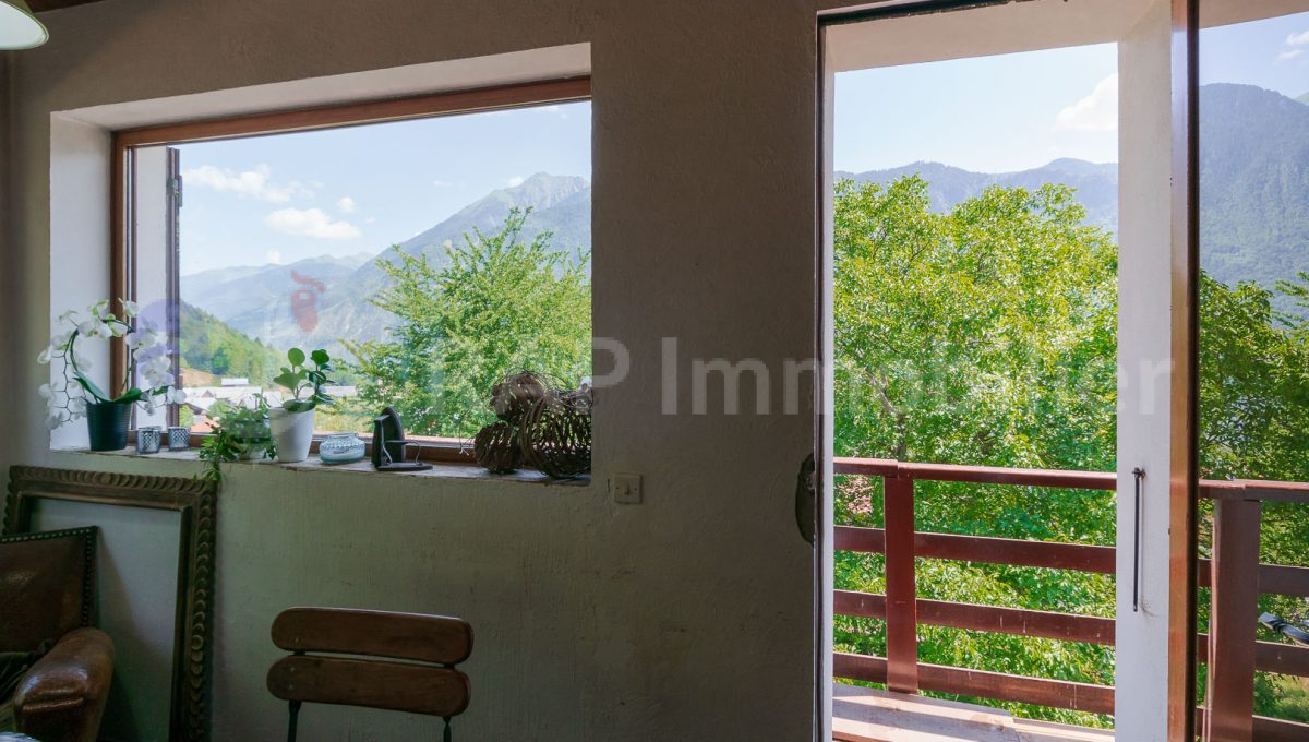 (1a) Balcony and view-1