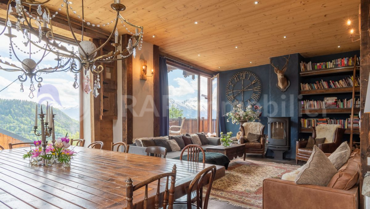 (02) Living and dining room-12