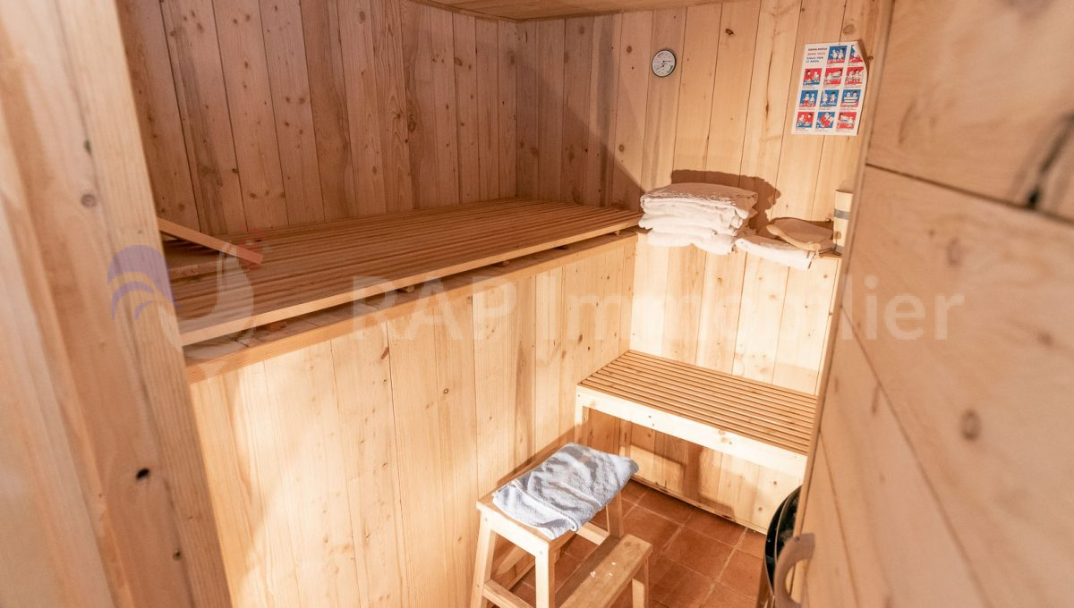 (7) Sauna lower ground-4