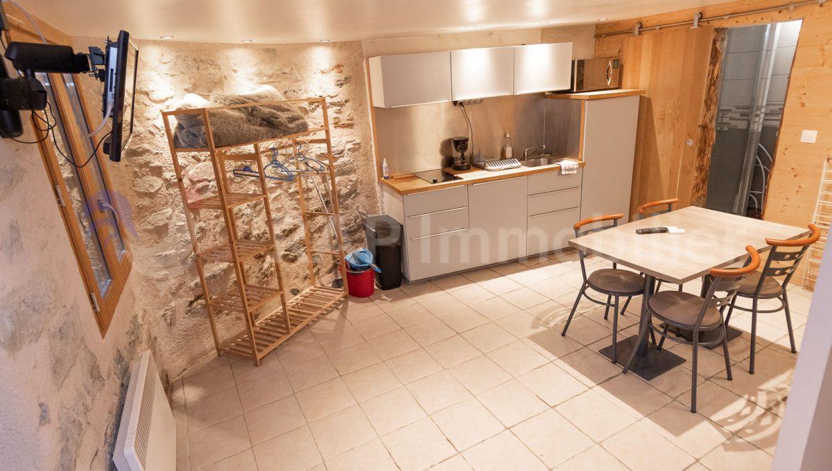 (21) Studio main room-3