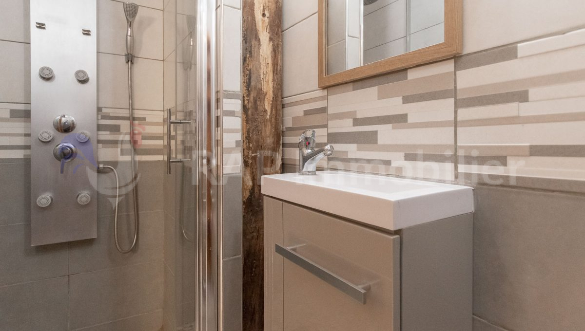 (23) Studio shower room and WC-3