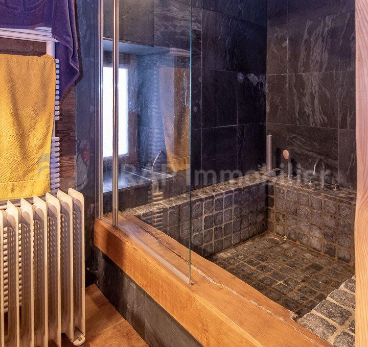 (3a) Master ensutie bedroom and mezzanine-13