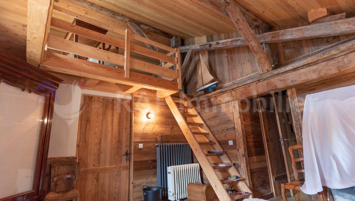 (3a) Master ensutie bedroom and mezzanine-5