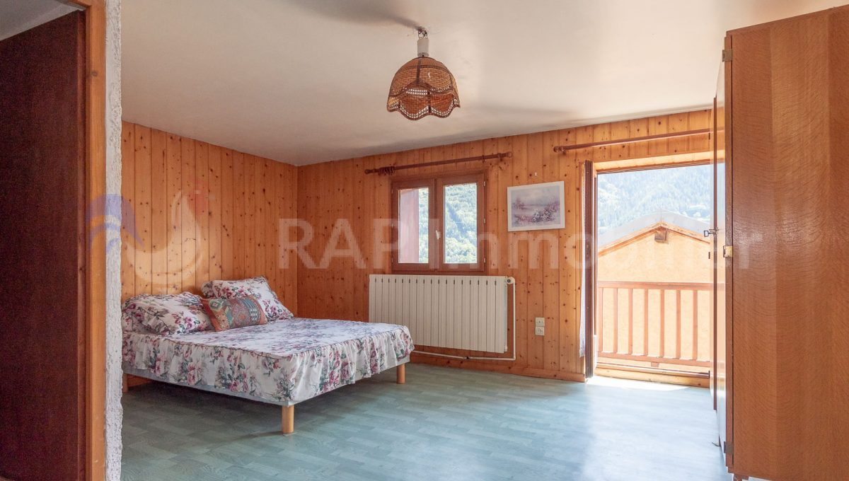 (4) Bedroom 3 and ensuite-2