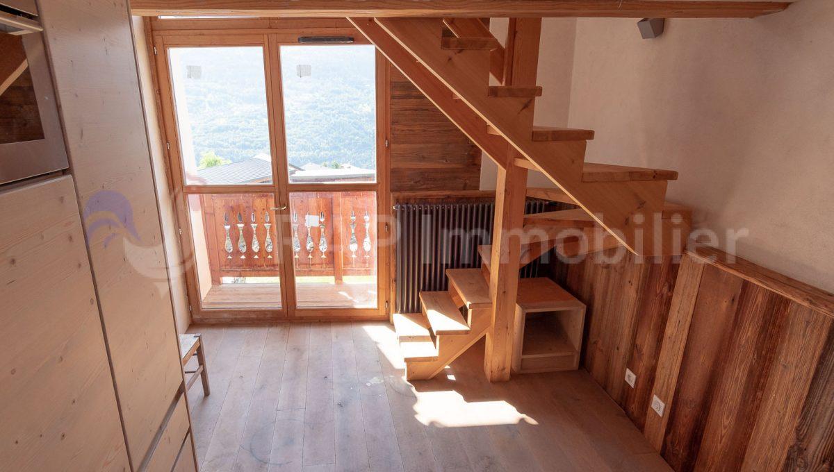 (4) Duplex apartment-11