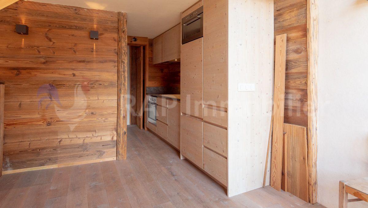 (4) Duplex apartment-13