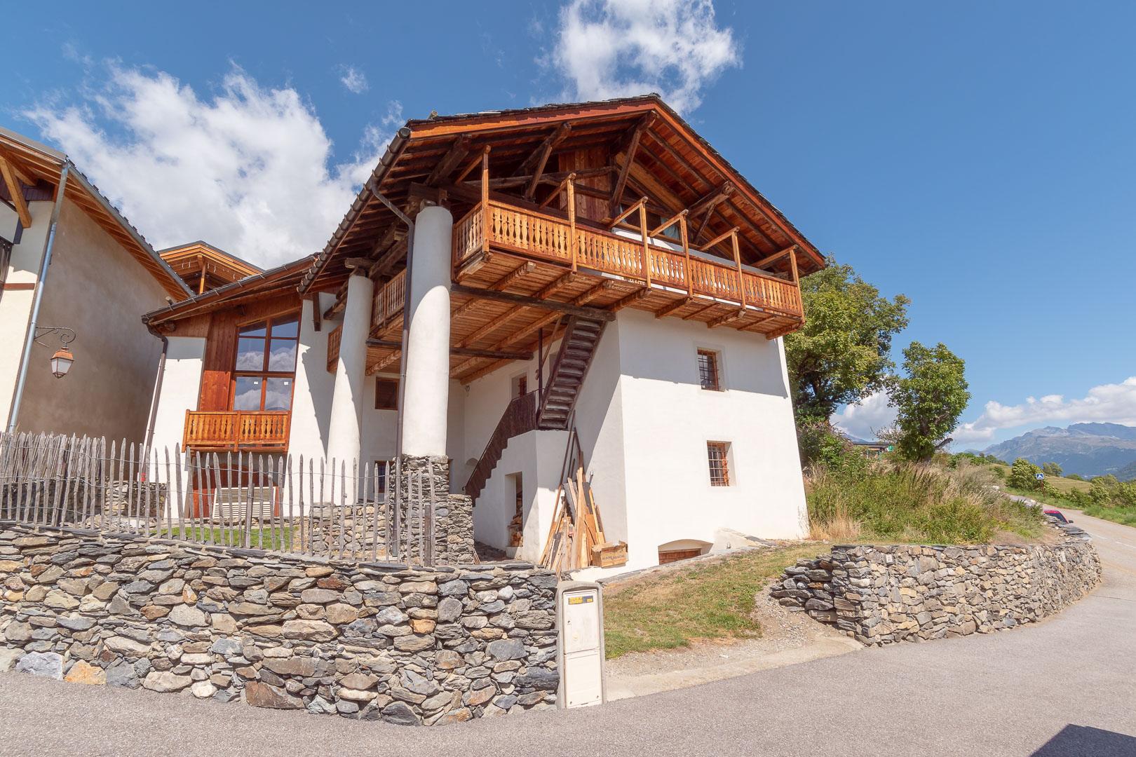 Superb renovated barn near Les Chapelles – PARADISKI